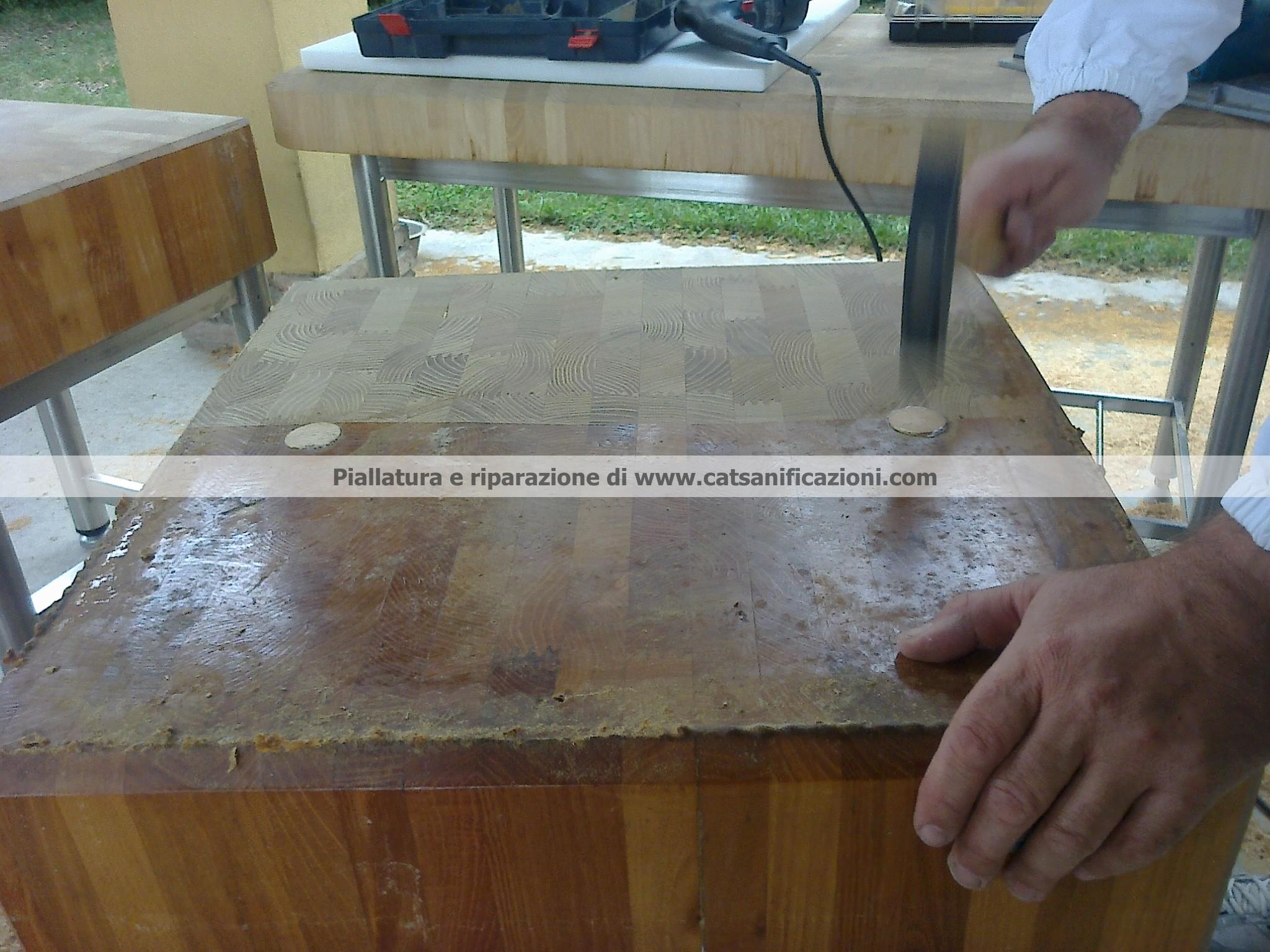 Levigatura taglieri polietilene